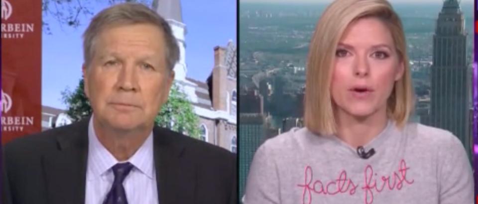 """CNN anchor Kate Bolduan donned a $380 """"facts first"""" sweater on-air. (Screenshot CNN, CNN Newsroom)"""