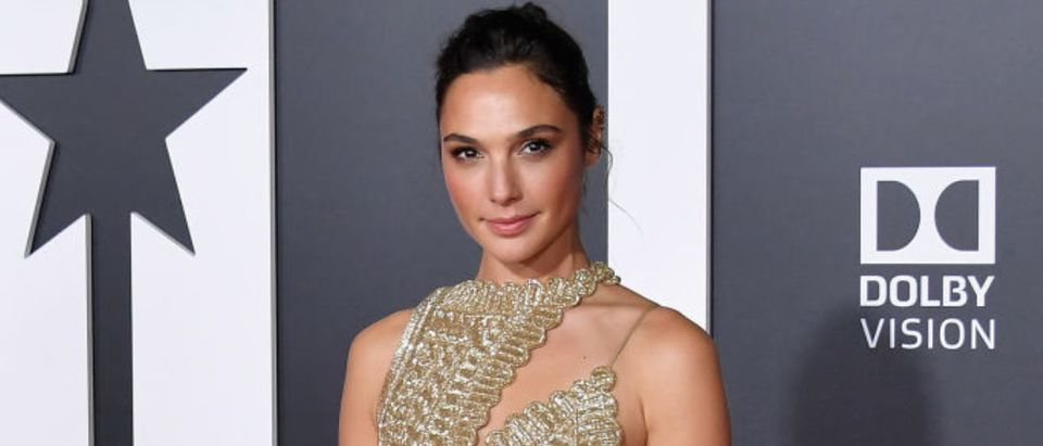 "HOLLYWOOD, CA - NOVEMBER 13: Actor Gal Gadot attends the premiere of Warner Bros. Pictures' ""Justice League"" at Dolby Theatre on November 13, 2017 in Hollywood, California. (Photo by Neilson Barnard/Getty Images)"