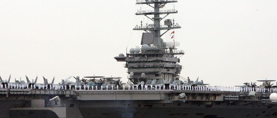 USS Nimitz Arrives Yokosuka