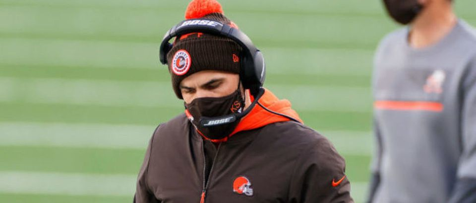 EAST RUTHERFORD, NEW JERSEY - DECEMBER 27: Head coach Kevin Stefanski of the Cleveland Browns looks on in the third quarter against the New York Jets at MetLife Stadium on December 27, 2020 in East Rutherford, New Jersey. (Photo by Sarah Stier/Getty Images)