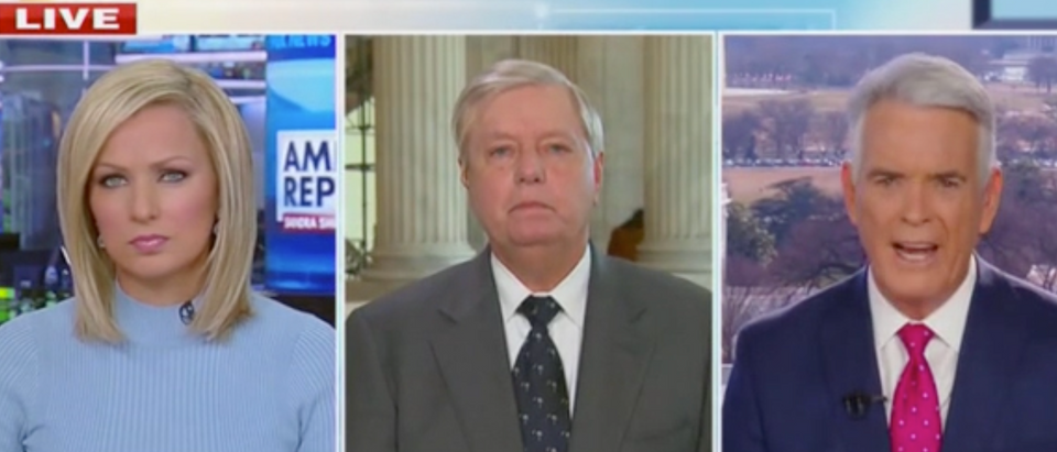 Sandra Smith, Sen. Lindsey Graham, and John Roberts (Screenshot/Fox News)