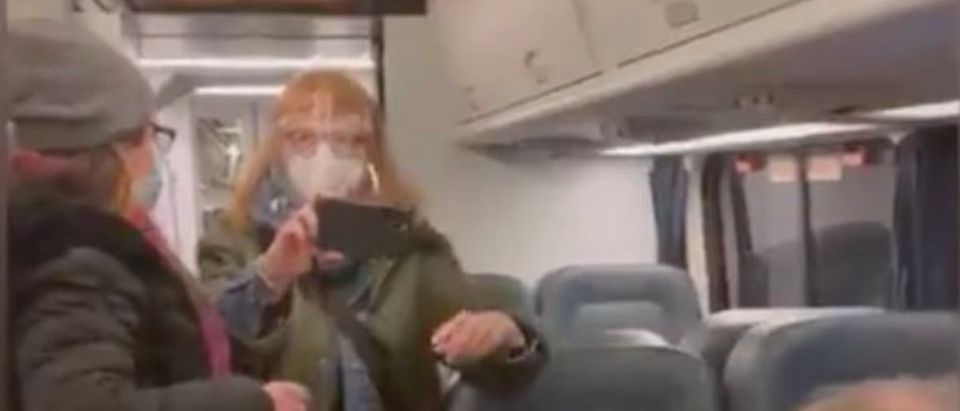 Women_Train_Face_Mask