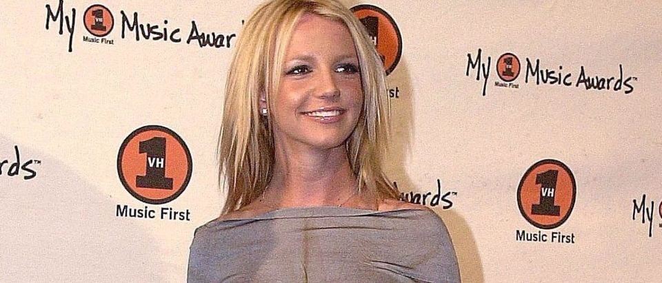 """US singer Britney Spears arrives at the """"My VH1 Mu"""