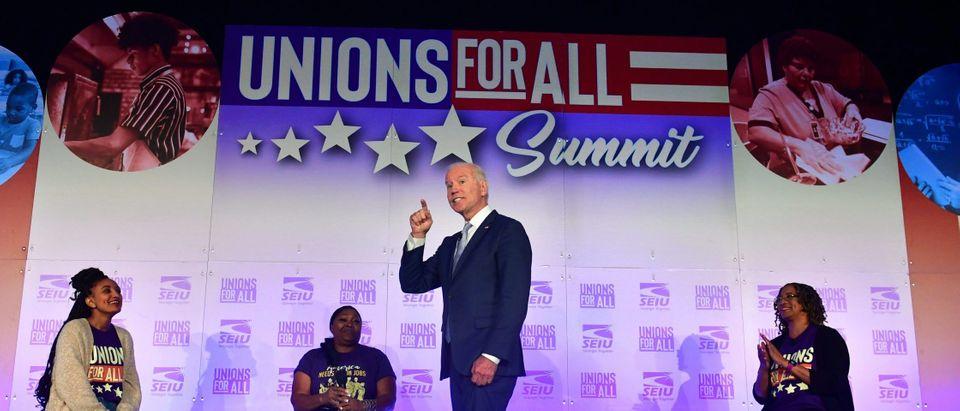 TOPSHOT-US-POLITICS-VOTE-UNIONS-DEMOCRATS