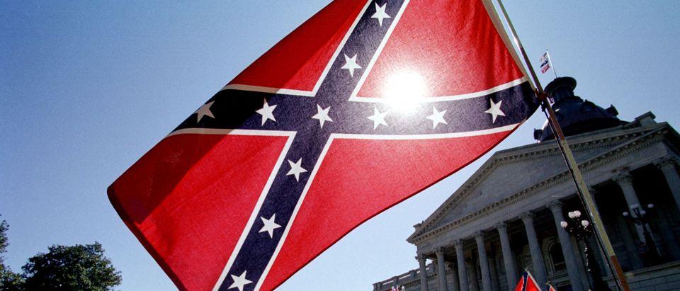 US-CONFEDERATE-FLAG-CAPITOL