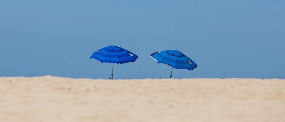 US-WEATHER-BEACH-HEATWAVE-CALIFORNIA