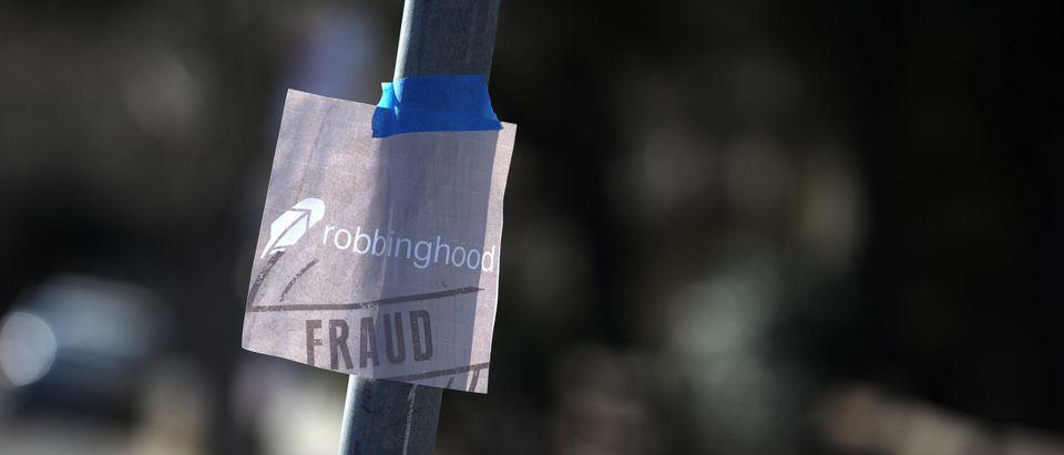 Stock Trading Platform Robinhood Raises 3.4 Billion To Handle Rapid Growth