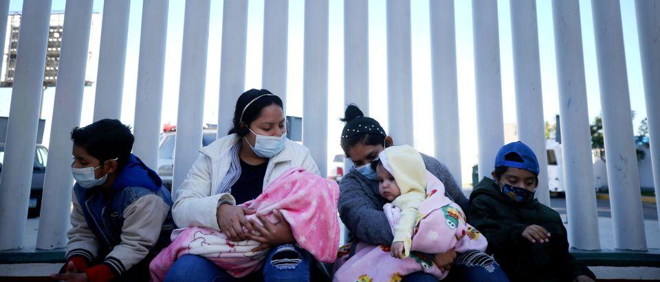 Biden Administration Allows Asylum Seekers In Mexico To Begin Crossing Border