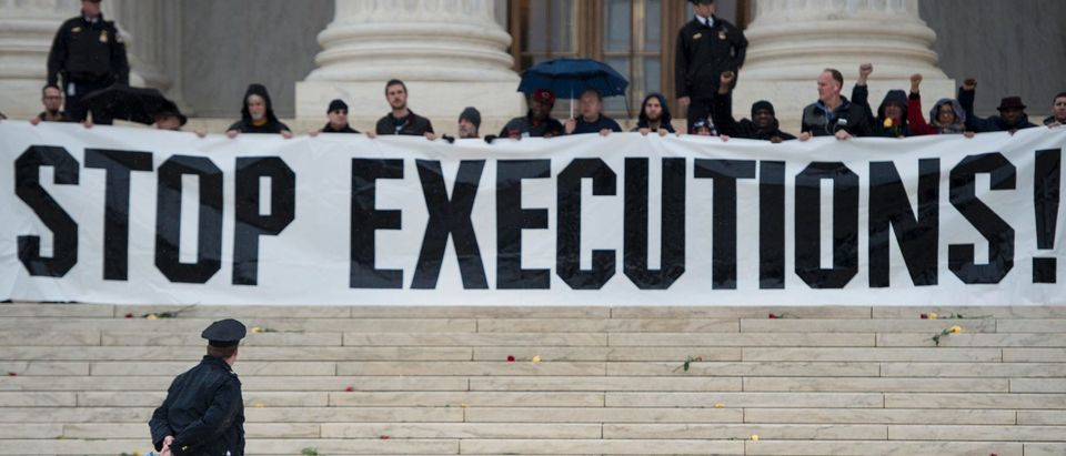 US-POLITICS-DEATH PENALTY-PROTEST
