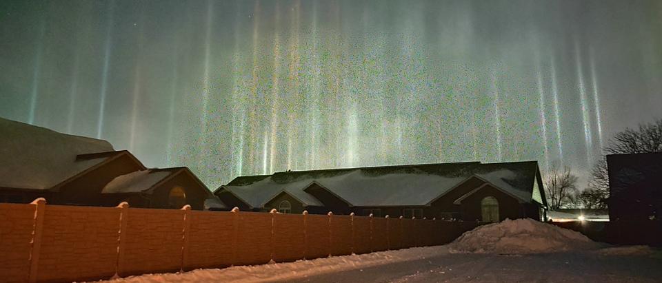 Light pillars captured in North Platte, Nebraska [Twitter/Screenshot/Public User National Weather Service North Platte]