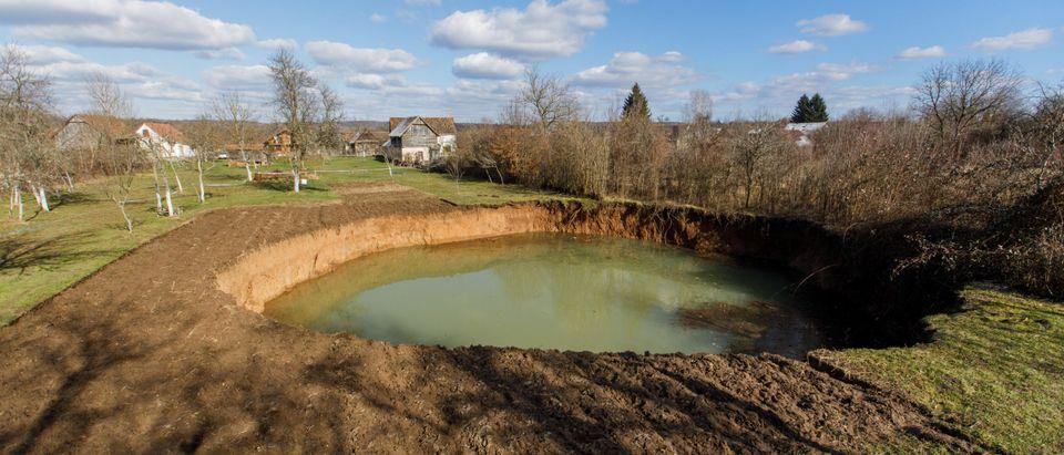 Huge sinkhole is seen in village Mecencani