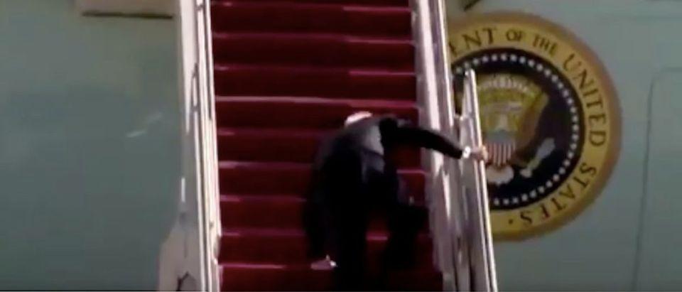 Biden_Falls_Going_Up_Stairs