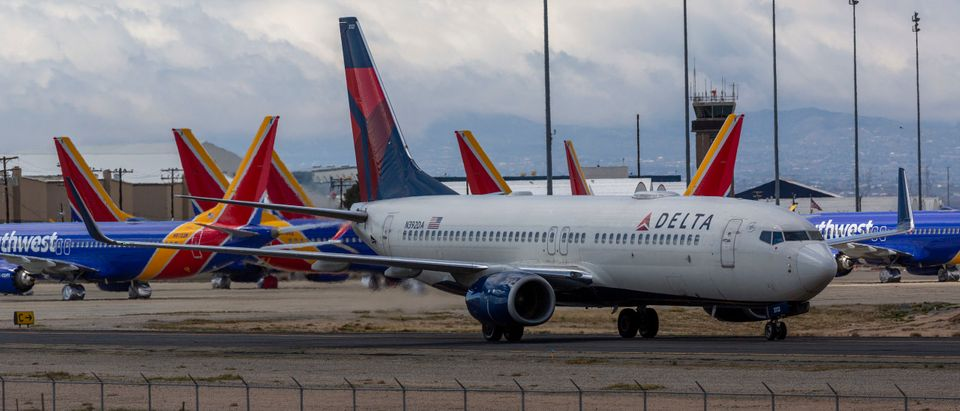 Delta Airlines Plane Taxiing