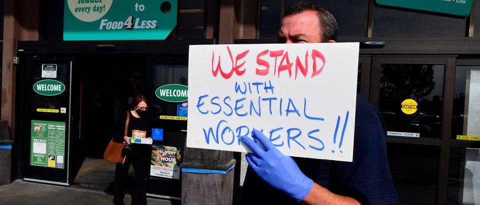 US-HEALTH-VIRUS-LABOR-SUPERMARKETS-PROTEST