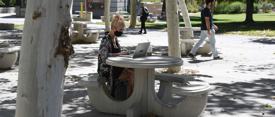 UNLV Holds Hybrid In-Person And Remote Classes Amid COVID-19 Pandemic