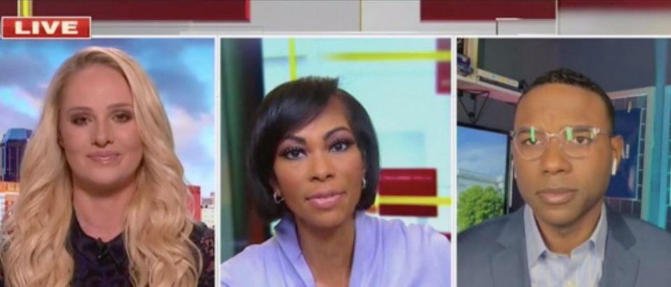 Fox News host Harris Faulkner (center)