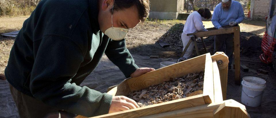 Georgia Undertakes Archaeological Dig Of Slave Quarters