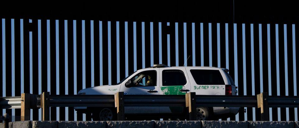 US-BORDER-IMMIGRATION-MEXICO-HEALTH-VIRUS