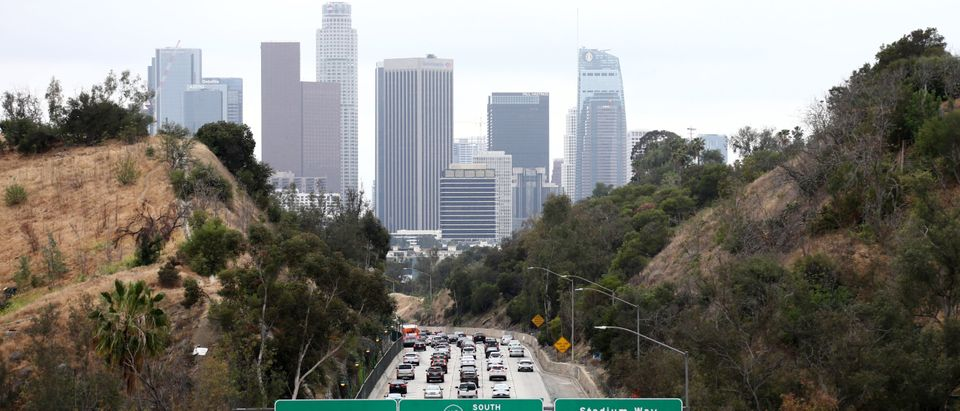LOS ANGELES, CALIFORNIA - APRIL 22: Cars make their way toward downtown L.A. on the 110 freeway. (Photo by Mario Tama/Getty Images)