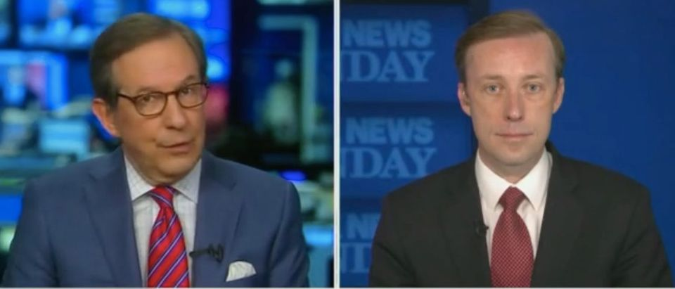 "Chris Wallace speaks with Jake Sullivan on ""Fox News Sunday."" Screenshot/Fox"