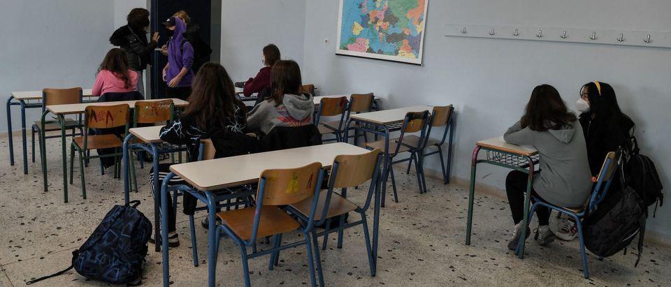 GREECE-EDUCATION-HEALTH-VIRUS