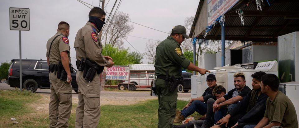 US-MEXICO-POLITICS-MIGRANTS