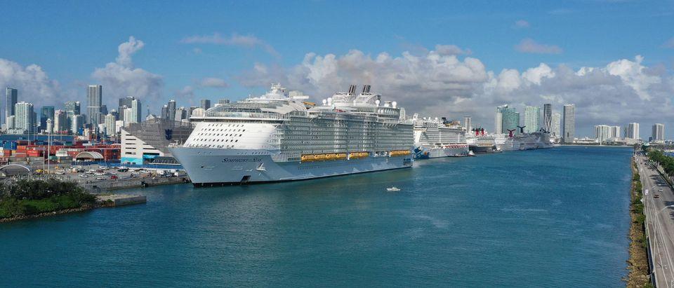 Cruise Ship-COVID19-Vaccine
