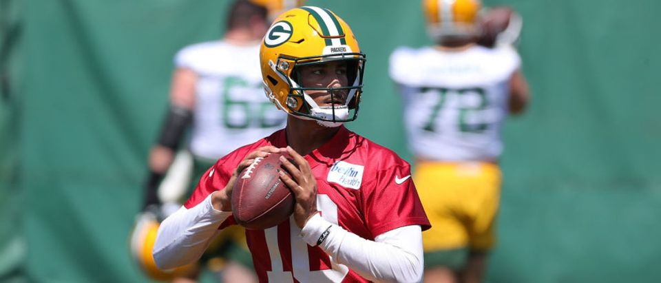 ASHWAUBENON, WISCONSIN - JUNE 08: Jordan Love #10 of the Green Bay Packers works out during training camp at Ray Nitschke Field on June 08, 2021 in Ashwaubenon, Wisconsin. (Photo by Stacy Revere/Getty Images)