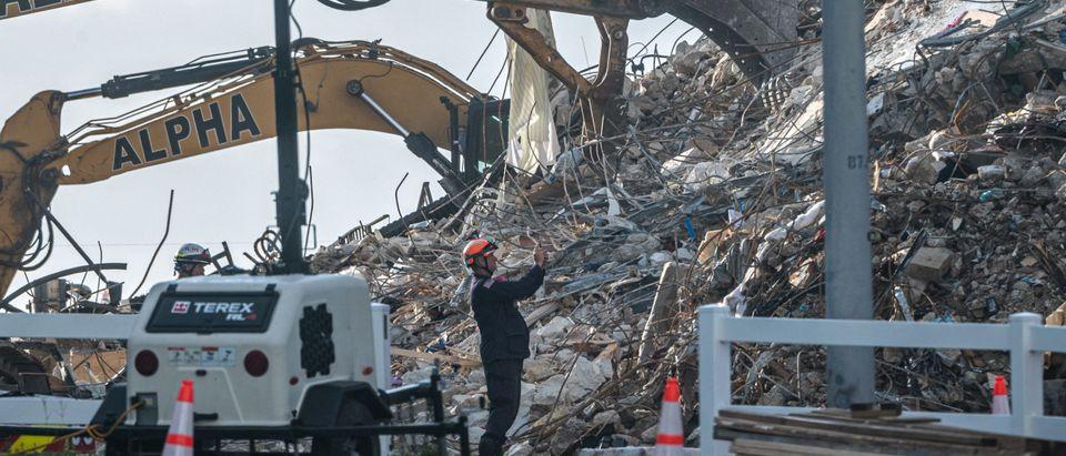 US-ACCIDENT-CONSTRUCTION-MEMORIAL