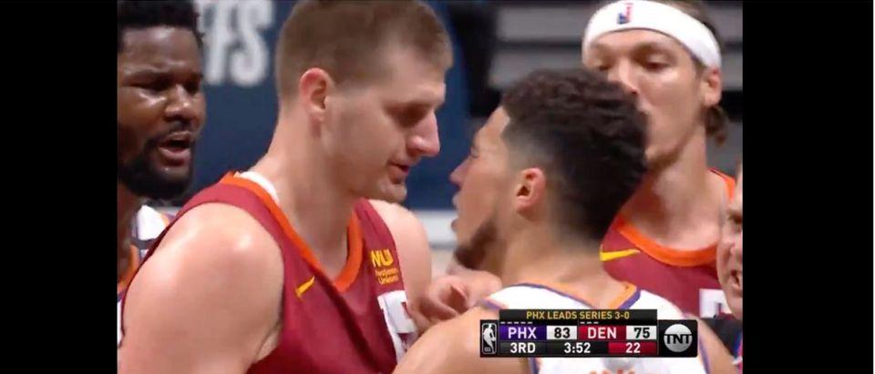Nikola Jokic (Credit: Screenshot/Twitter Video https://twitter.com/BleacherReport/status/1404253111108083714)