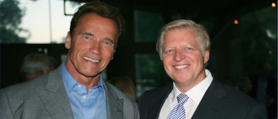 Rick Newcombe pictured with Arnold Schwarzenegger. (Photo by Creators Syndicate/Rick Newcombe)