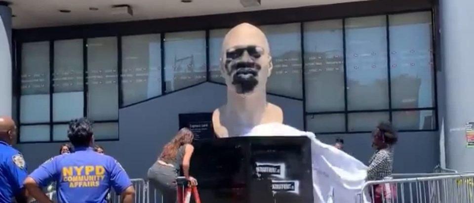 george floyd's statue vandalized