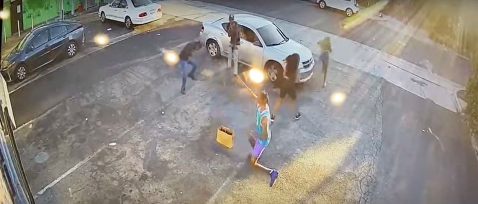 A would-be victim shoots two robbery suspects in Los Angeles [Youtube:Screenshot:Los Angeles Police Department]