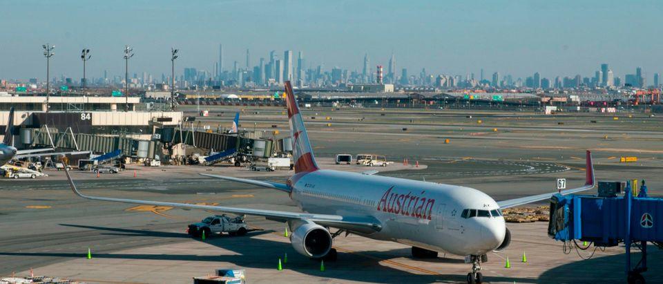 Airplanes at Newark Inernational Airport. Photo by Kena Betancur. Getty.