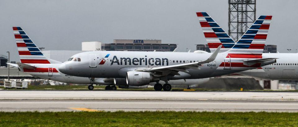 Flight Canceled After 30 Teens Refused To Wear Masks