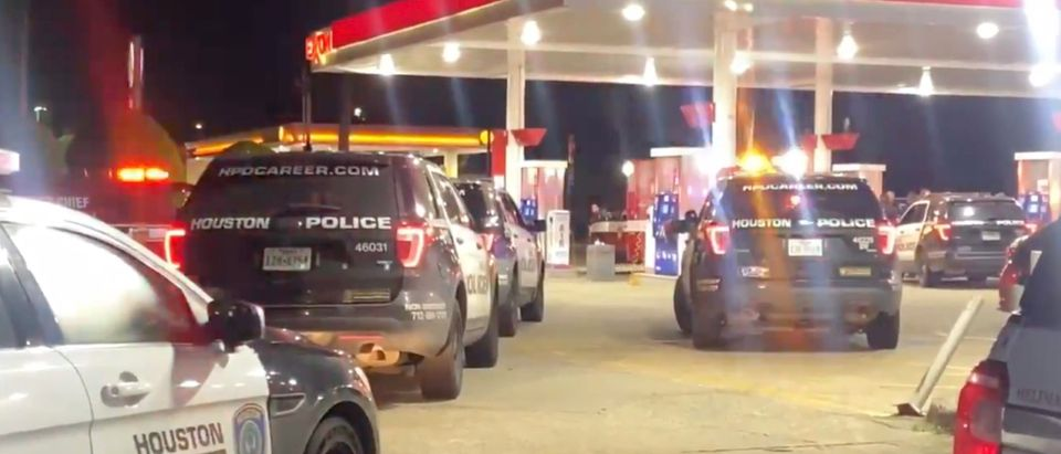Houston ambulance stolen at gunpoint [Twitter:Screenshot:Taisha Walker]