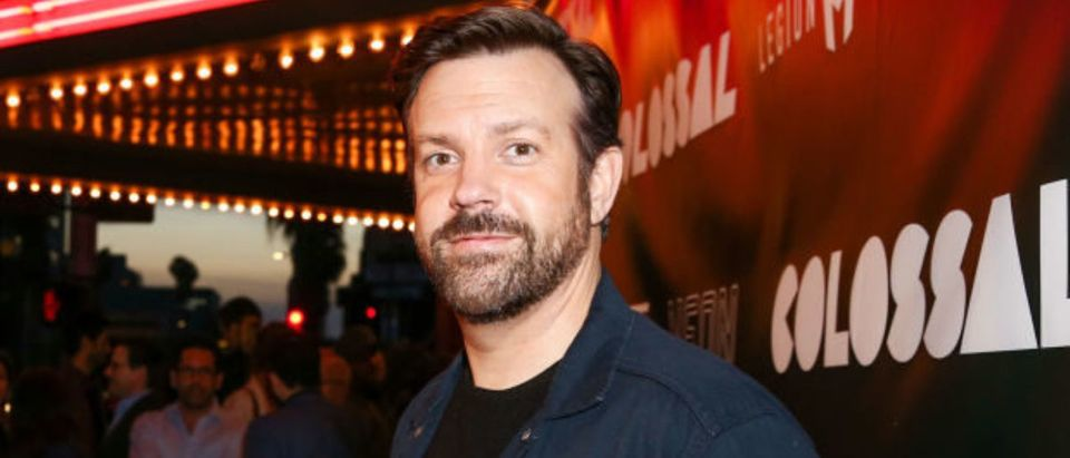 """LOS ANGELES, CA - APRIL 04: Actor Jason Sudeikis arrives at the premiere of Neon's """"Colossal"""" at the Vista Theatre on April 4, 2017 in Los Angeles, California. (Photo by Rich Fury/Getty Images)"""