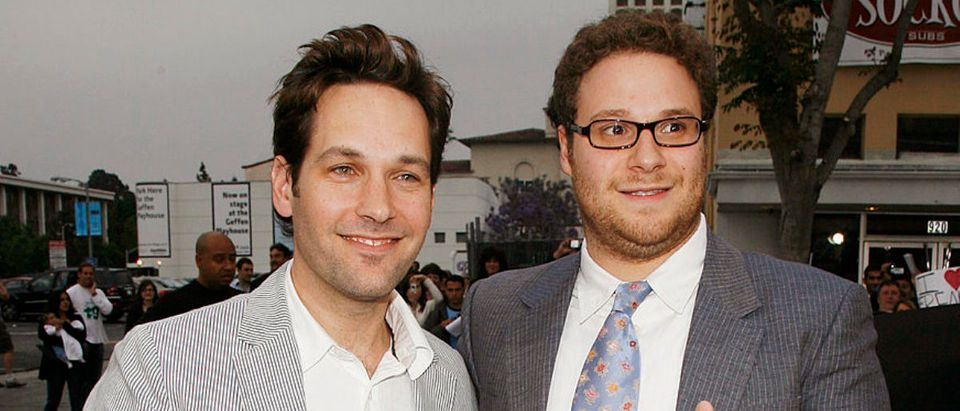 """LOS ANGELES - MAY 21: Actor Paul Rudd and actor/executive producer Seth Rogen pose at the premiere of Universal Pictures' """"Knocked Up"""" at the Mann's Village Theater on May 21, 2007 in Los Angeles, California. (Photo by Kevin Winter/Getty Images)"""