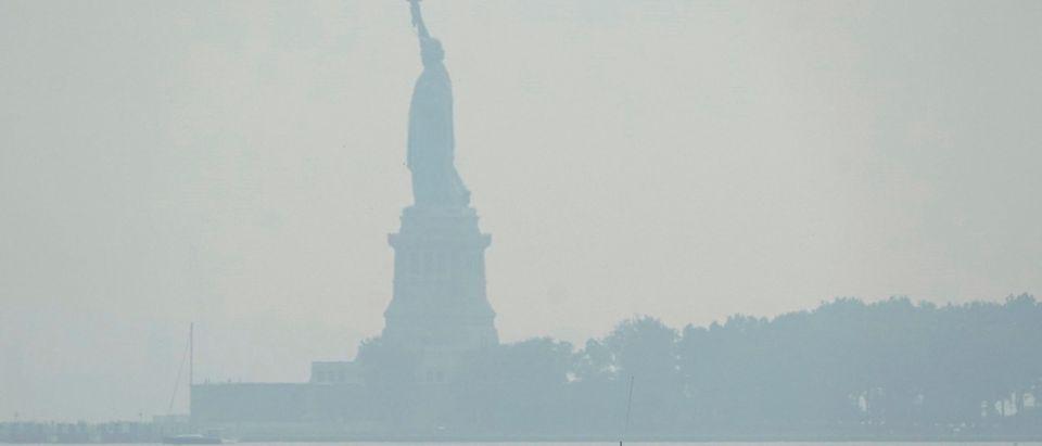 TOPSHOT-US-WEATHER-NEWYORK