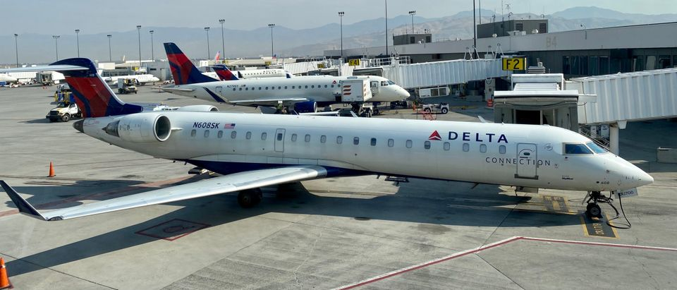 Major Airline To Charge Workers $200 Per Month For Not Being Vaccinated