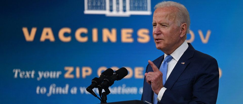 Two Top Vaccine Officials Resign From FDA Amid Political Pressure From Biden Administration