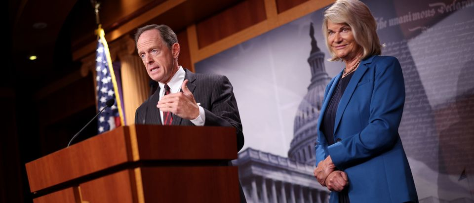 Sen. Pat Toomey joined by Sen. Cynthia Lummis speaks on a cryptocurrency amendment to the bipartisan infrastructure bill. (Photo by Kevin Dietsch/Getty Images)