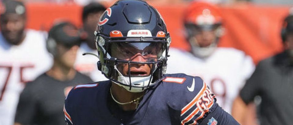 CHICAGO, ILLINOIS - SEPTEMBER 19: Justin Fields #1 of the Chicago Bears looks for a receiver against the Cincinnati Bengals at Soldier Field on September 19, 2021 in Chicago, Illinois. The Bears defeated the Bengals 20-17. (Photo by Jonathan Daniel/Getty Images)