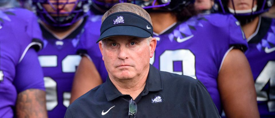 Sep 4, 2021; Fort Worth, Texas, USA; TCU Horned Frogs head coach Gary Patterson and his team before the game between the TCU Horned Frogs and the Duquesne Dukes at Amon G. Carter Stadium. Mandatory Credit: Jerome Miron-USA TODAY Sports via Reuters