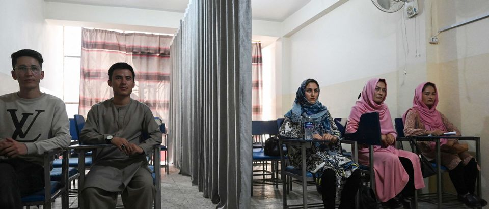 TOPSHOT-AFGHANISTAN-CONFLICT-EDUCATION-WOMEN