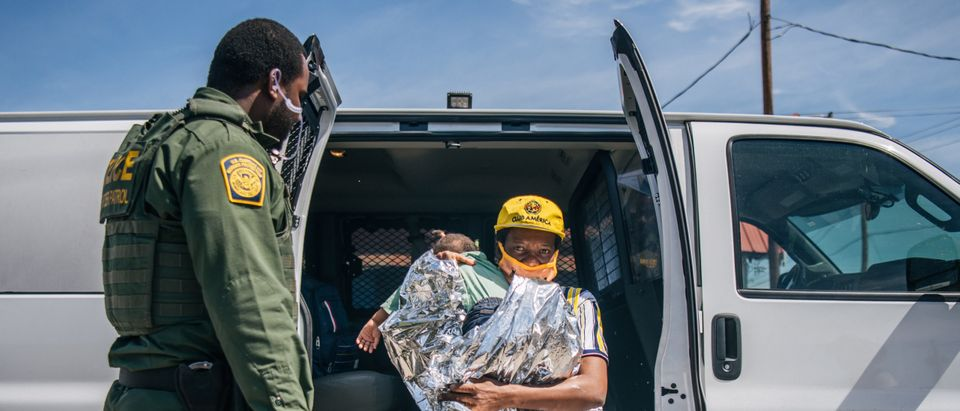 Large Migration Surge Crosses Rio Grande Into Texas
