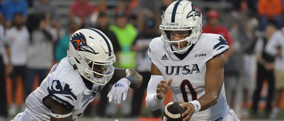 NCAA Football: Texas-San Antonio at Illinois