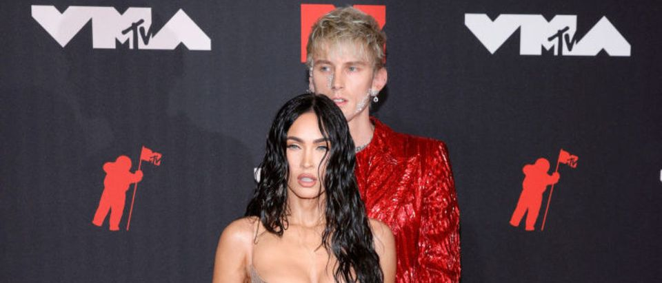 NEW YORK, NEW YORK - SEPTEMBER 12: Megan Fox and Machine Gun Kelly attend the 2021 MTV Video Music Awards at Barclays Center on September 12, 2021 in the Brooklyn borough of New York City. (Photo by Jason Kempin/Getty Images)