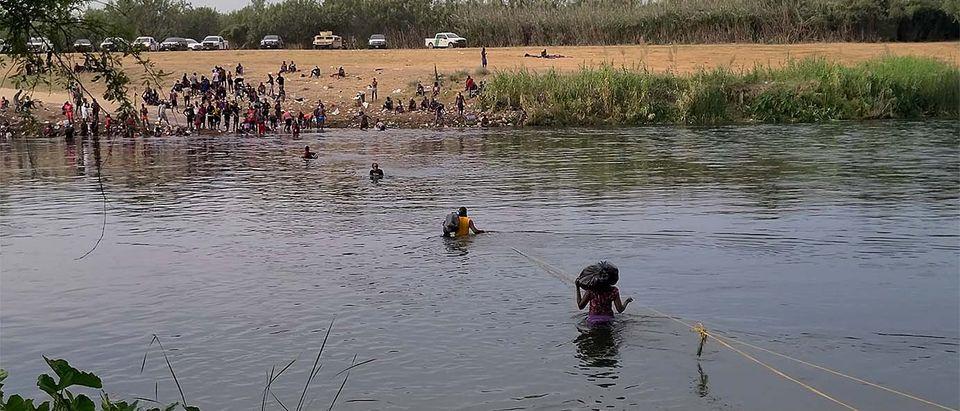 Haitian Migrants Cross Rio Grande