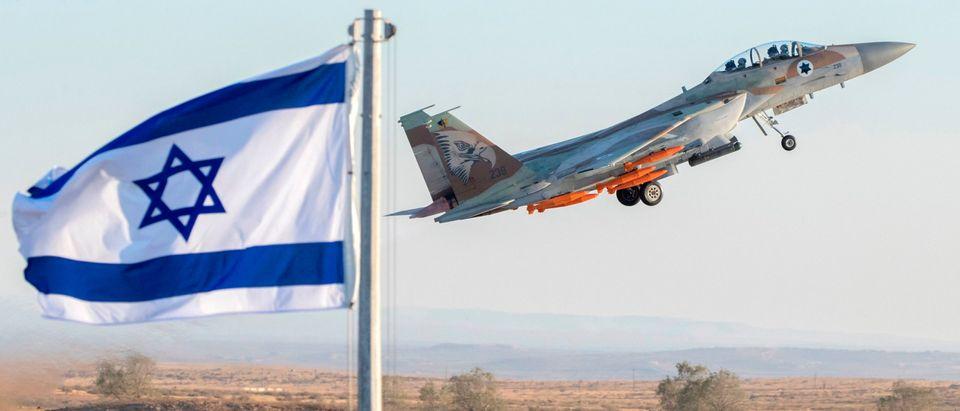 ISRAEL-MILITARY-GRADUATION